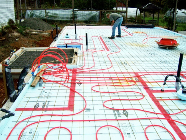 Diy radiant floor heating system wildcat man for Floating slab foundation cold climates